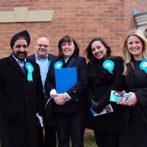emma-in-leicester-east-with-jane-hunt-and-team