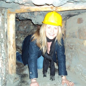emma-trying-out-the-mine-tunnel-in-new-mills-heritage-centre